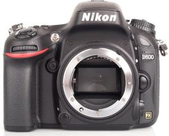 Nikon D600 Body (VBA340AE)