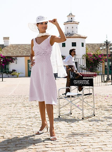 Bonprix Sukienka w kropeczki dymny różowy 956764_16461