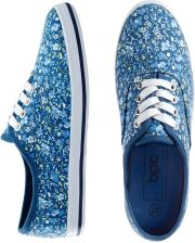 Tenisówki niebieski indygo w kwiaty