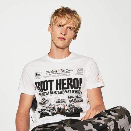 ... Nike SB Geoff McFetridge 3 Tee - 789468-063. House - T-shirt z  nadrukiem - Biały